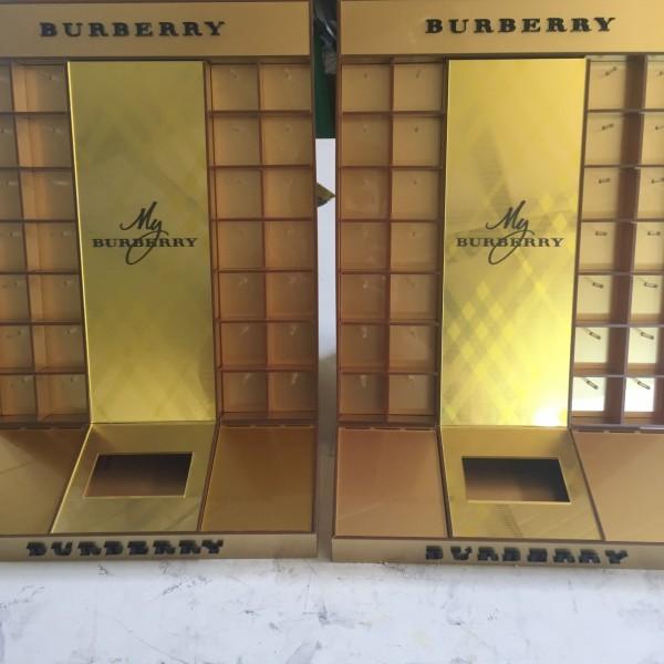 Επιπλα Βιτρινας Plexiglas - Burberry Perfume Display Έπιπλα Βιτρίνες