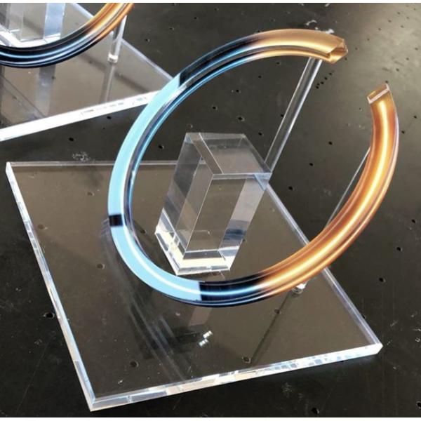 Ειδικες Κατασκευες Plexiglas - Estée Lauder Display  Ειδικές Κατασκευές